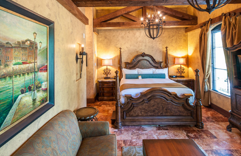 Guest room at Gervasi Vineyard.