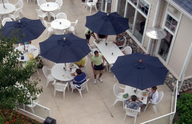 Patio dining at Bay Pointe Inn.