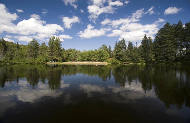 The lake at Killarney Lodge.