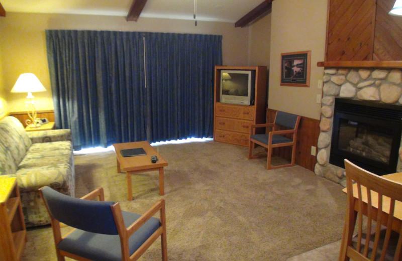 Guest living room at Kavanaugh's Sylvan Lake Resort.