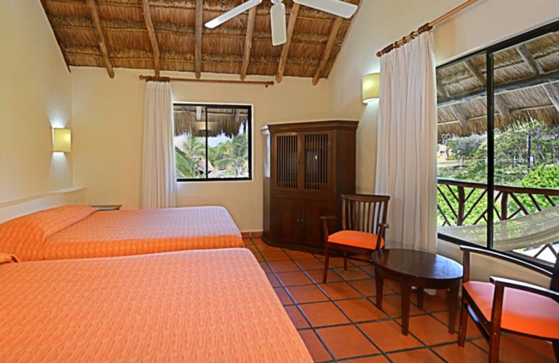 Guest room at Allegro Resort Playacar.