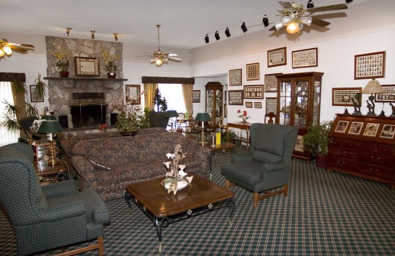 Lobby at Yosemite View Lodge.