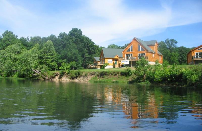 Exterior view of Riverwood Resort.