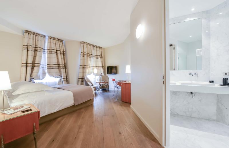 Guest room at Hotel Régent Petite France.