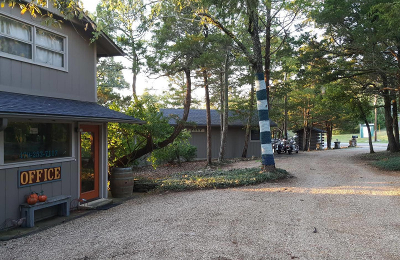 Exterior view of Arkansas White River Cabins.