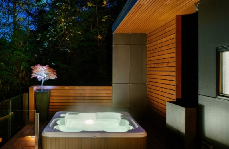 Rental hot tub at Mt. Baker Lodging.