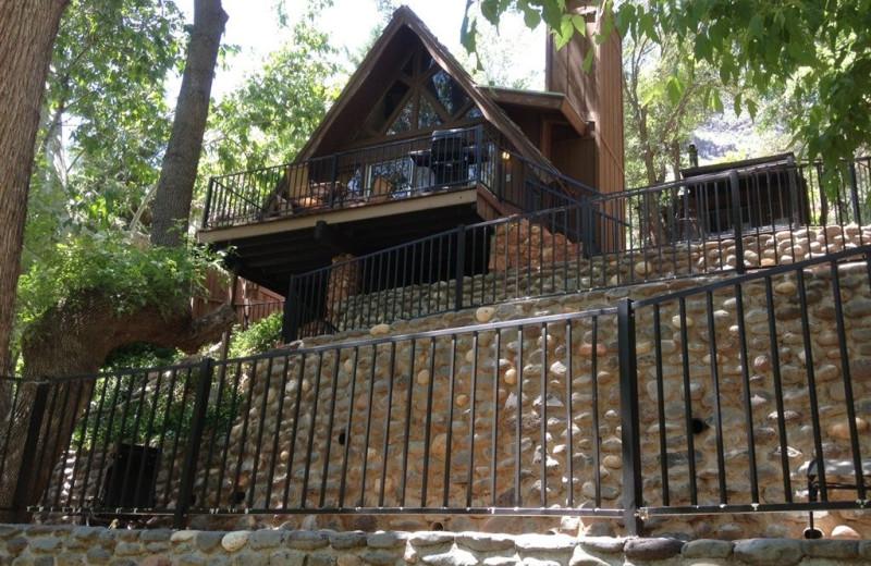 Exterior cabin view at Old Creek Resort.