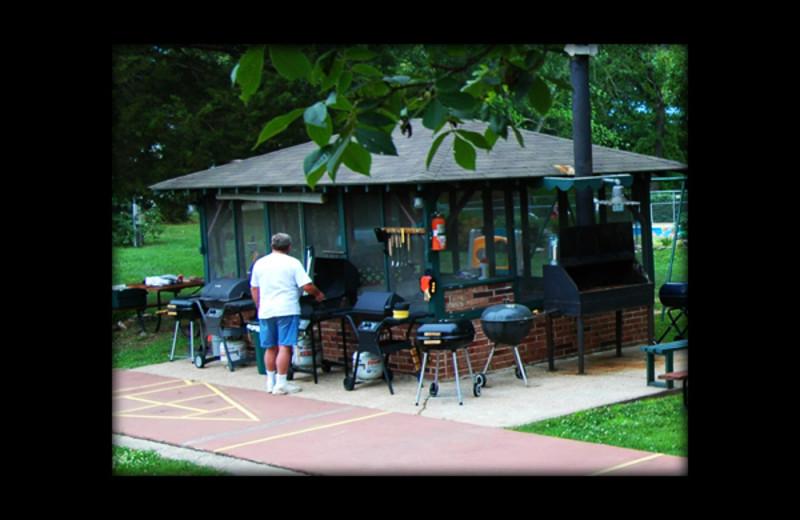 BBQ picnic area at Shadrack Resort.