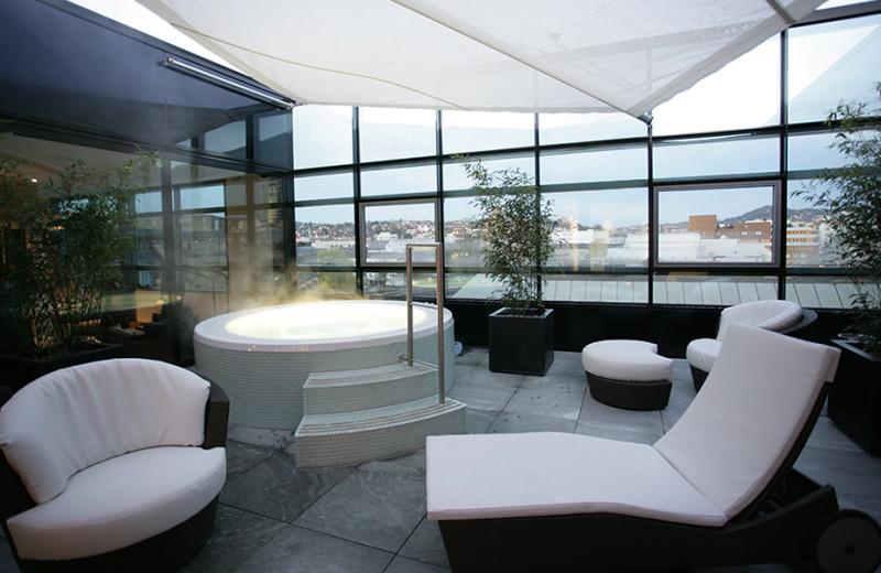 Hot tub at Parkhotel Pforzheim.