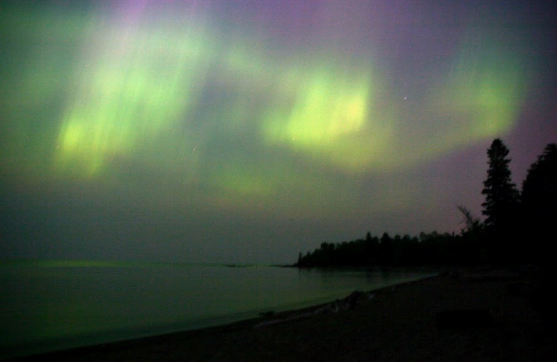 Northern lights at Mountain View Lodges.