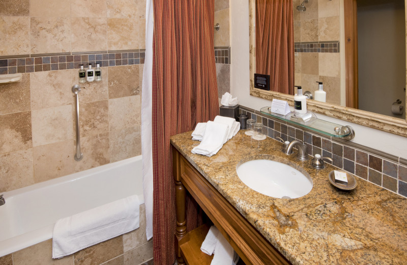 Guest bathroom at The Pines Lodge, A RockResort.