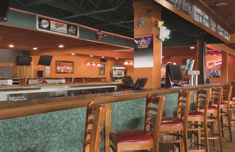 Bar at Country Inn & Suites - Fergus Falls.