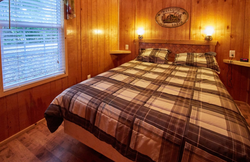 Cabin bedroom at Lone Star Jellystone.