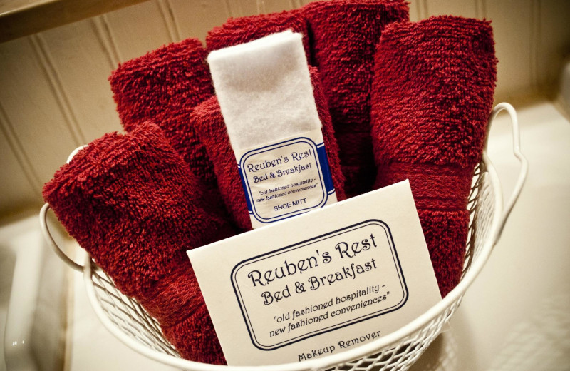 Towels at Reuben's Rest Bed and Breakfast.