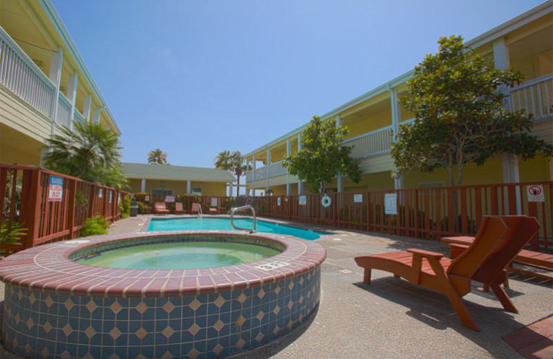 Outdoor pool at Plantation Suites & Conference Center.