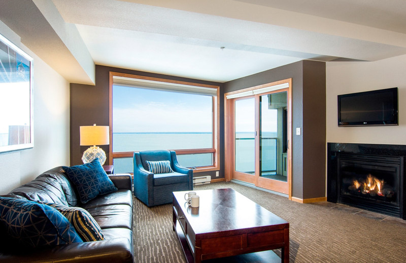 Guest living room at Beacon Pointe Resort.