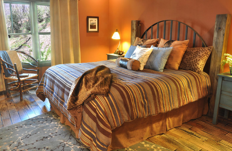 Cottage bedroom at Timber Frame Rentals.