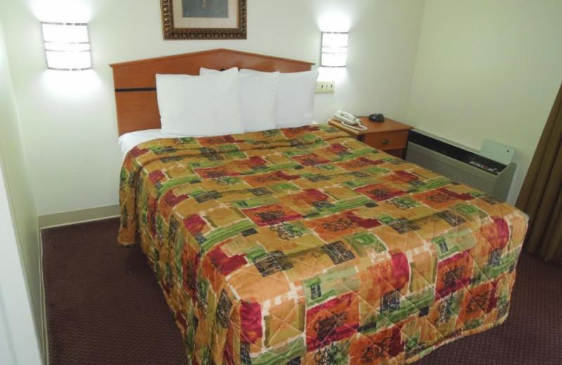 Guest room at Crystal Inn - Neptune.
