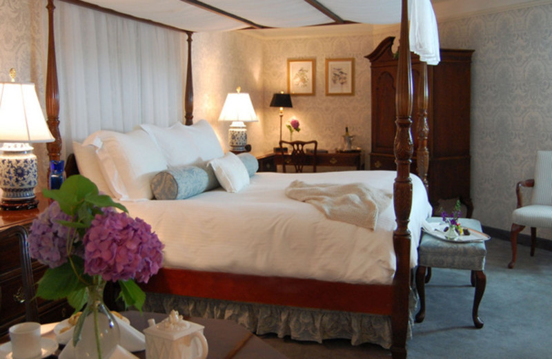 Guest room at Simsbury Inn.