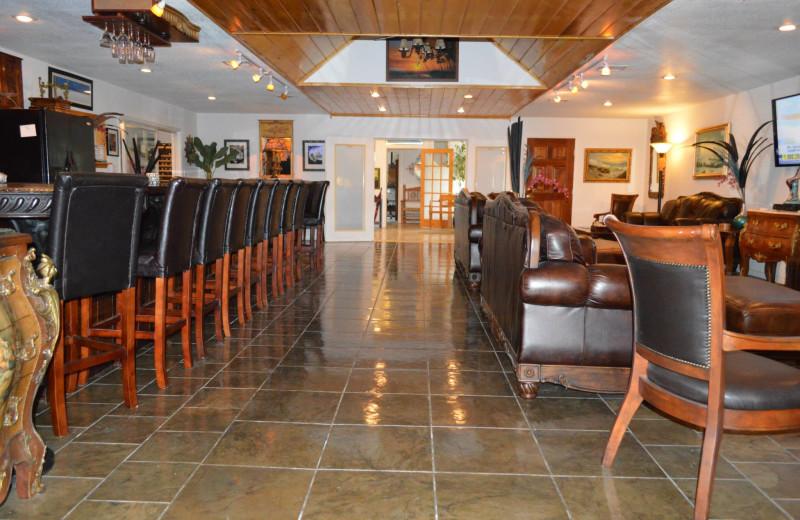 Bar at Echo Canyon Spa Resort.