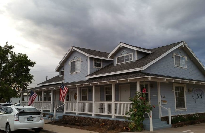 Exterior view of The Canyon Country Inn.