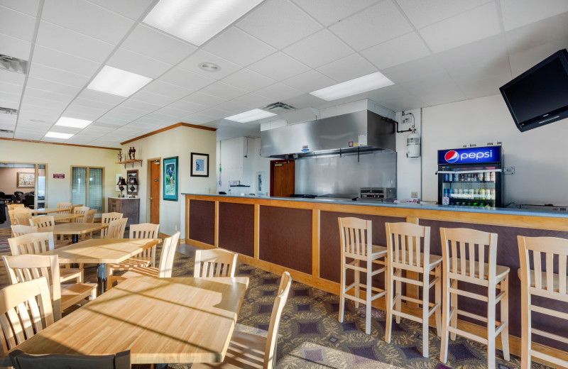 Dining at Thousand Hills Vacations.