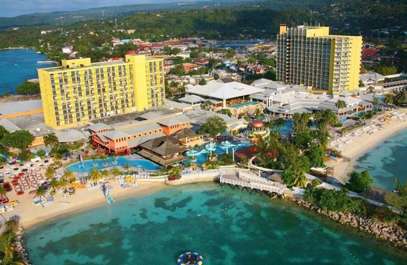 Exterior view of Sunset Jamaica Grande Resort.