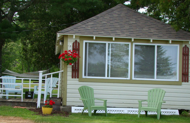 Cottage exterior at Bay Leaf Cottages & Bistro.