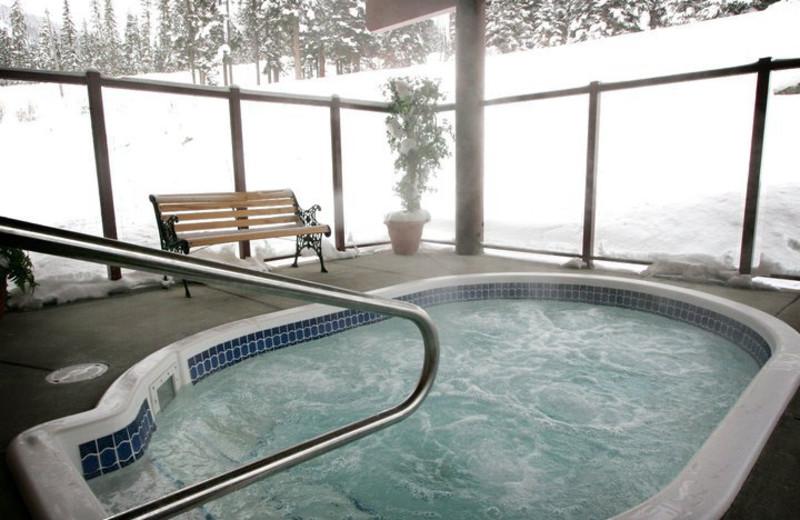 Hot tub at Cahilty Lodge.