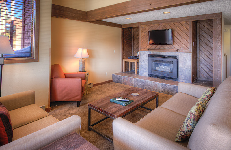 Guest living room at Gold Point Condominiums.