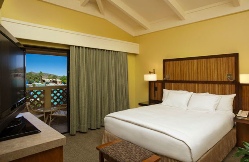 Guest Room at Pointe Hilton Tapatio Cliffs Resort