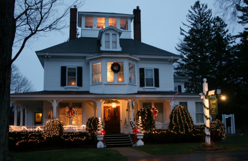 Holiday decor at Maine Stay Inn & Cottages.