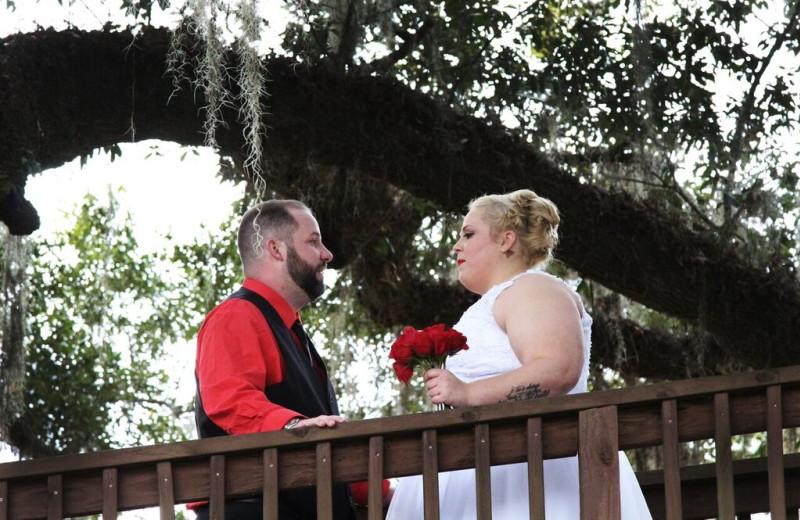 Weddings at Berry Creek Cabins.