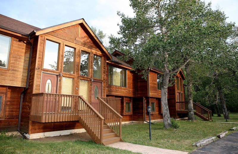 Exterior view of Bear Creek Vacation Condos.