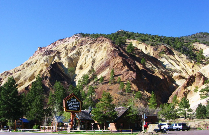 Exterior view of Big Rock Candy Mountain Resort.