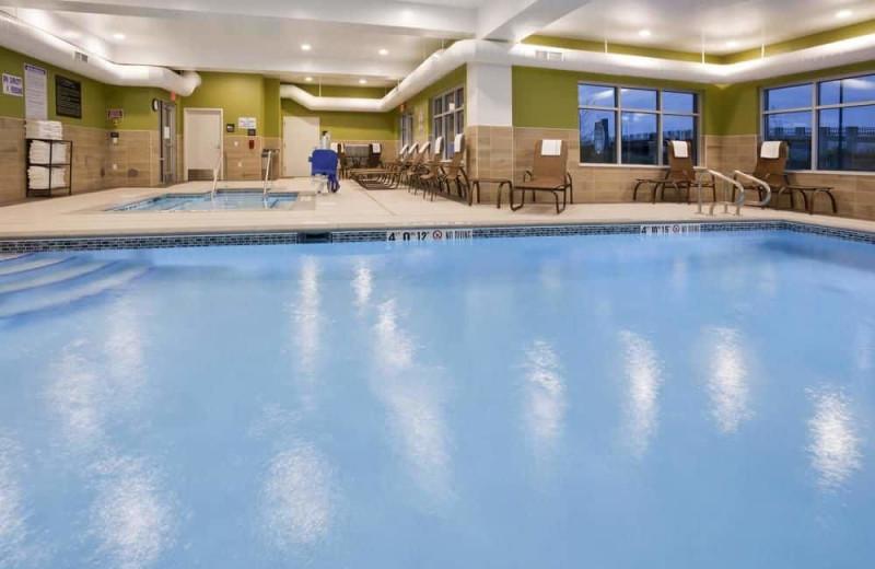 Indoor pool at Hampton Inn Minneapolis Bloomington West.