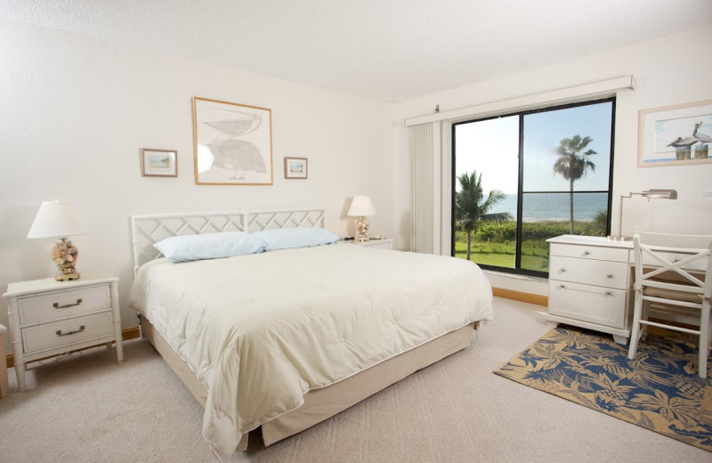 Guest room at Pelicans Roost Condominiums.