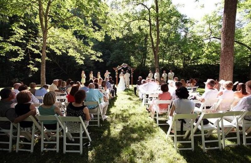 Wedding ceremony at Creekside Resort.