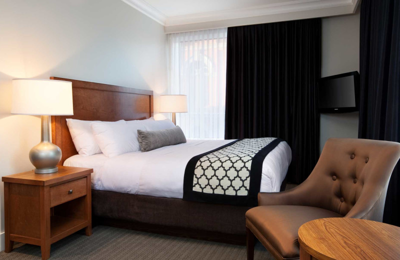 Guest room at Hotel Rialto.
