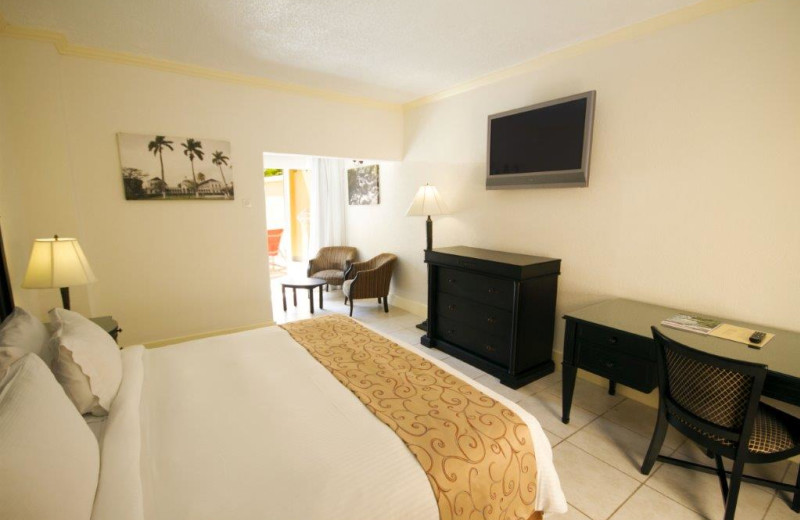 Guest room at Jewel Runaway Bay Beach & Golf Resort.