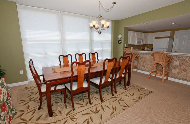 Rental kitchen and dining area at Sterling Shores.