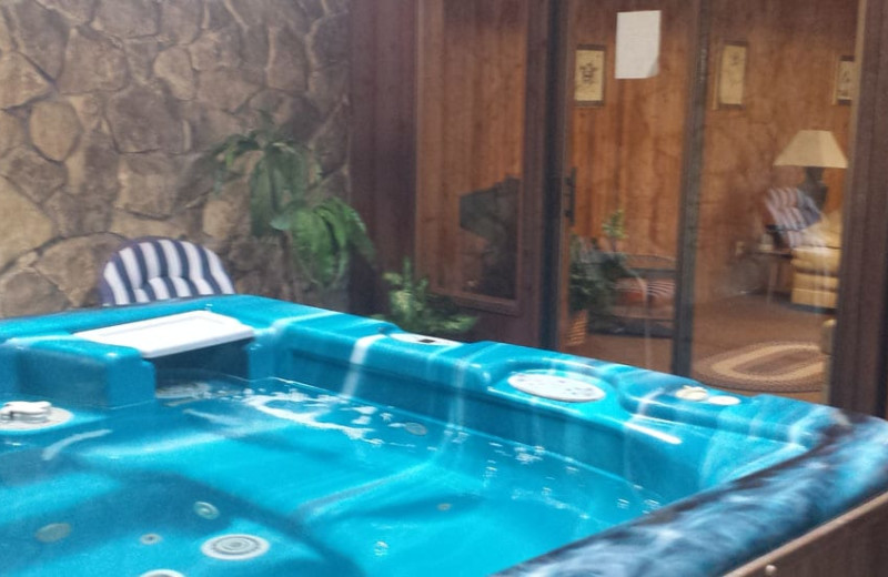 Hot tub at Cedar Valley Lodge.