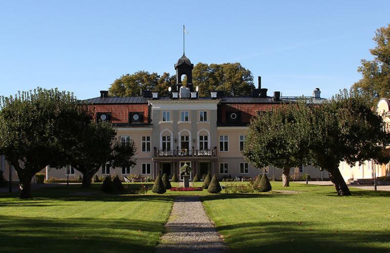 Exterior view of Södertuna Slott.