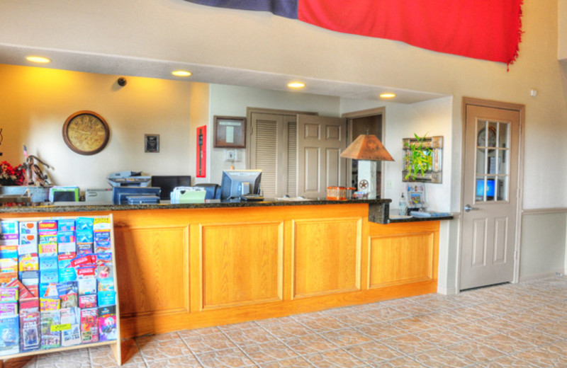 Check-In at the Lonestar Inn & Suites