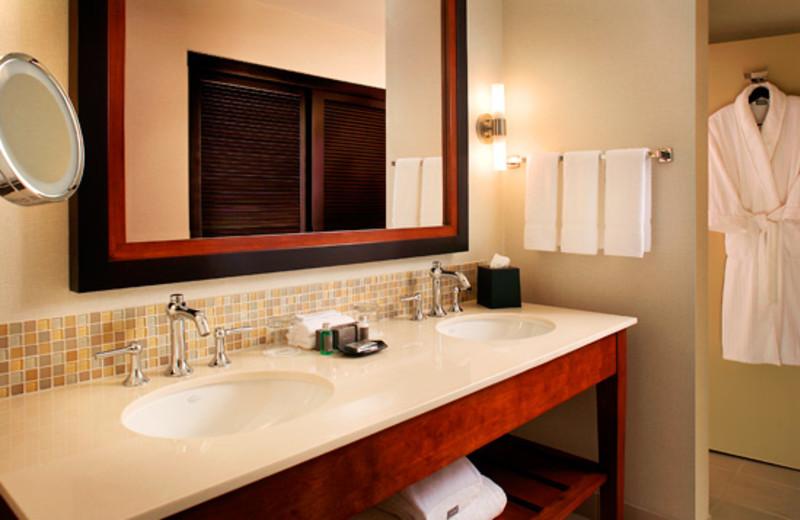 Standard bathroom at The Westin Mission Hills Resort & Spa.