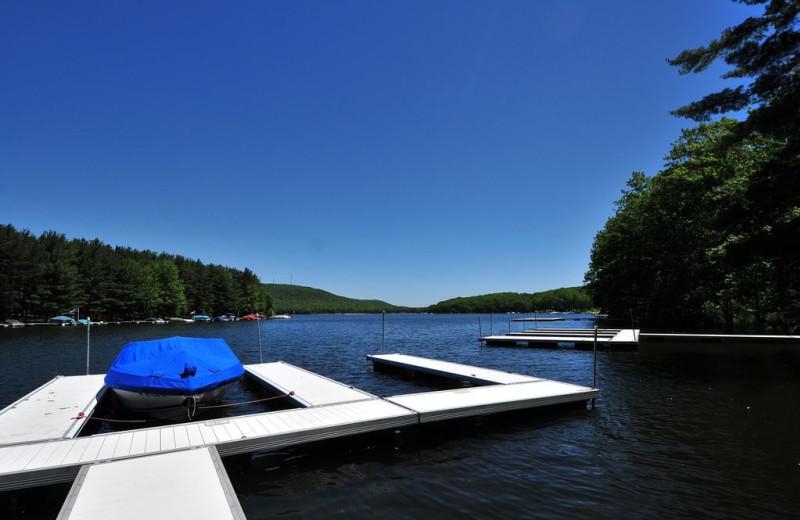 Rental dock at Taylor-Made Deep Creek Vacations.