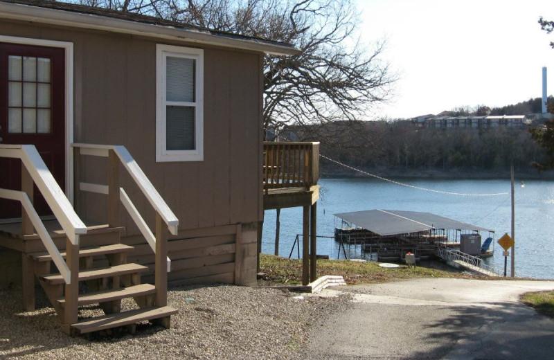 Outside view of cabin at Artilla Cove Resort.
