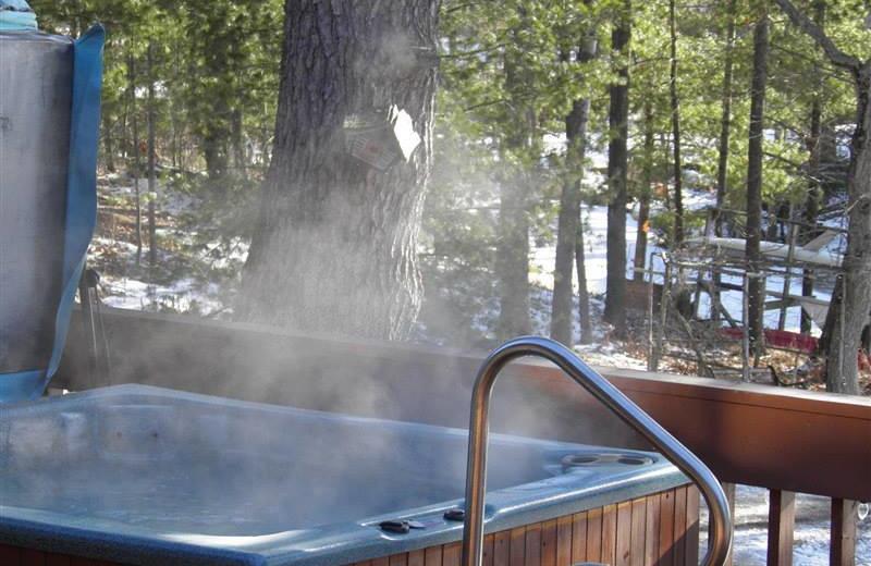Hot tub at Westwind Inn on the Lake.