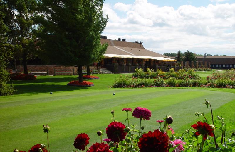 Exterior view of Lakewood Shores Resort.