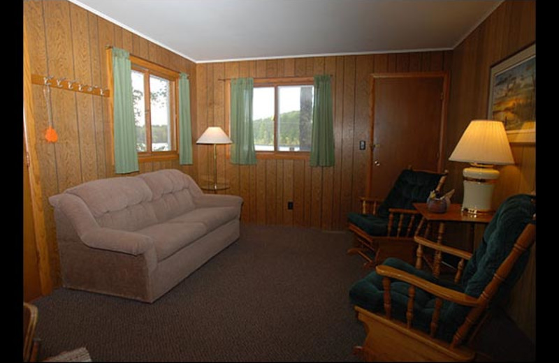 Cabin living room at Isle O' Dreams Lodge.
